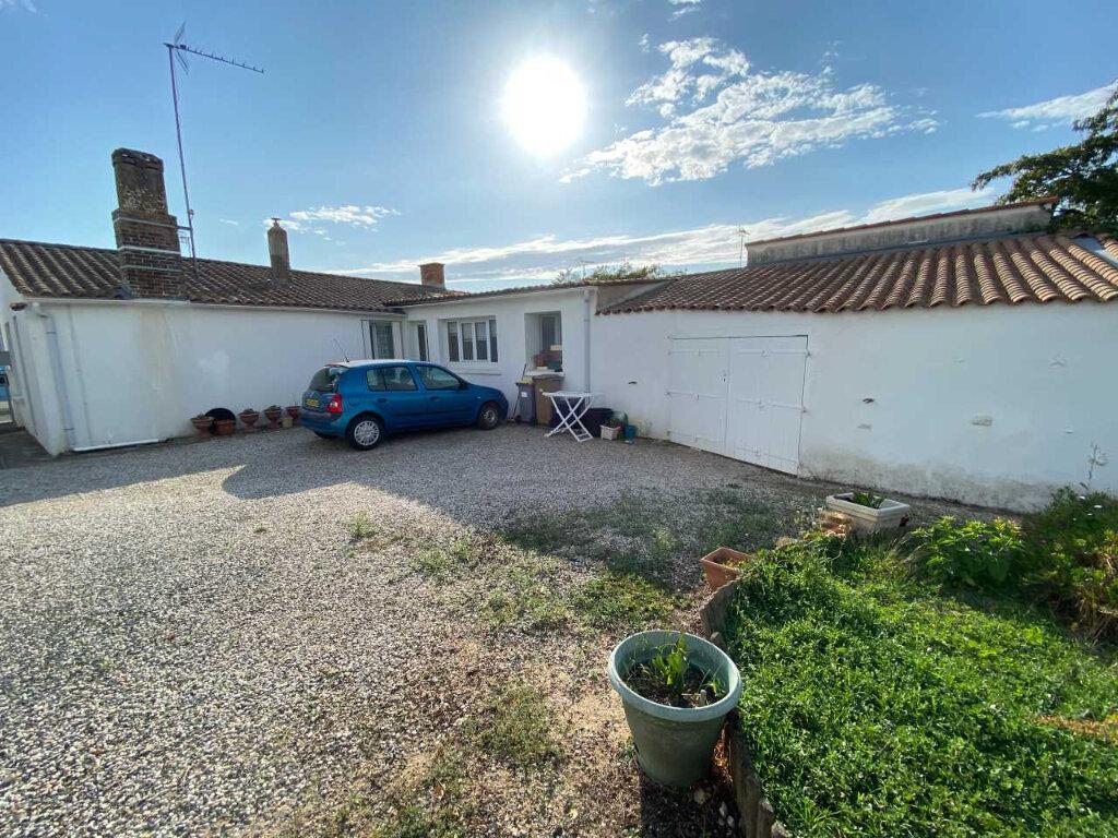 Maison à vendre 3 69m2 à Longeville-sur-Mer vignette-1