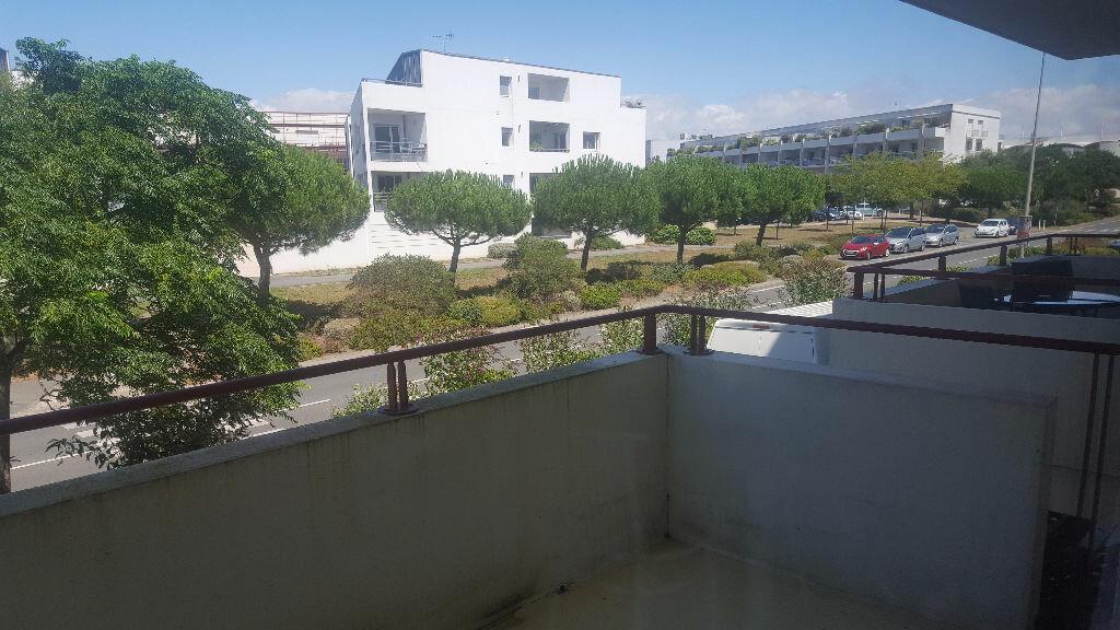 Appartement à louer 2 27.34m2 à La Rochelle vignette-4