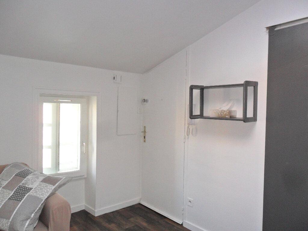 Appartement à louer 2 27m2 à La Rochelle vignette-4