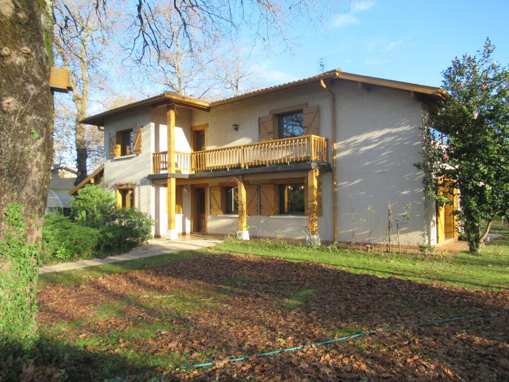 Maison à vendre 8 189m2 à Saint-Vincent-de-Tyrosse vignette-1