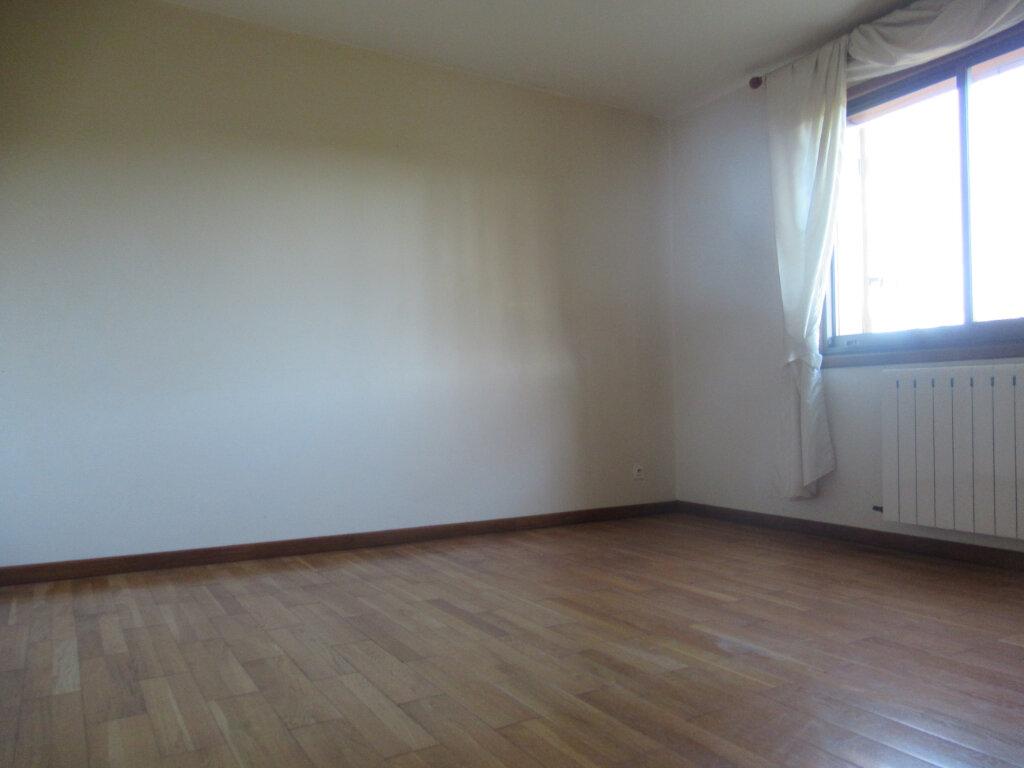 Maison à vendre 8 189m2 à Saint-Vincent-de-Tyrosse vignette-5