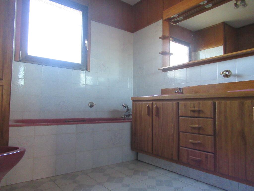 Maison à vendre 8 189m2 à Saint-Vincent-de-Tyrosse vignette-6