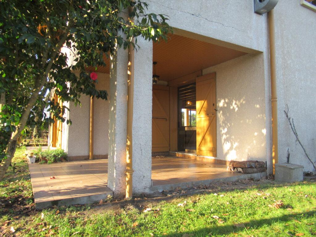 Maison à vendre 8 189m2 à Saint-Vincent-de-Tyrosse vignette-9