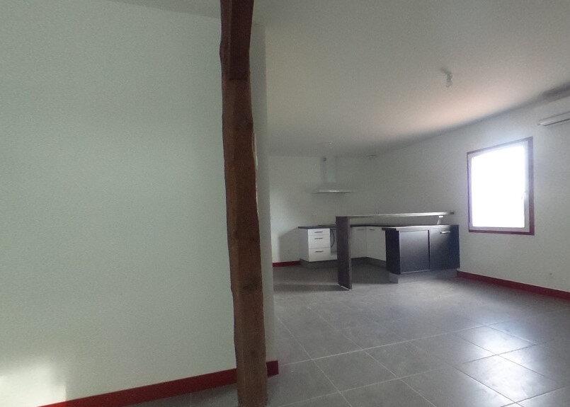 Appartement à louer 2 55m2 à Saint-Vincent-de-Tyrosse vignette-1