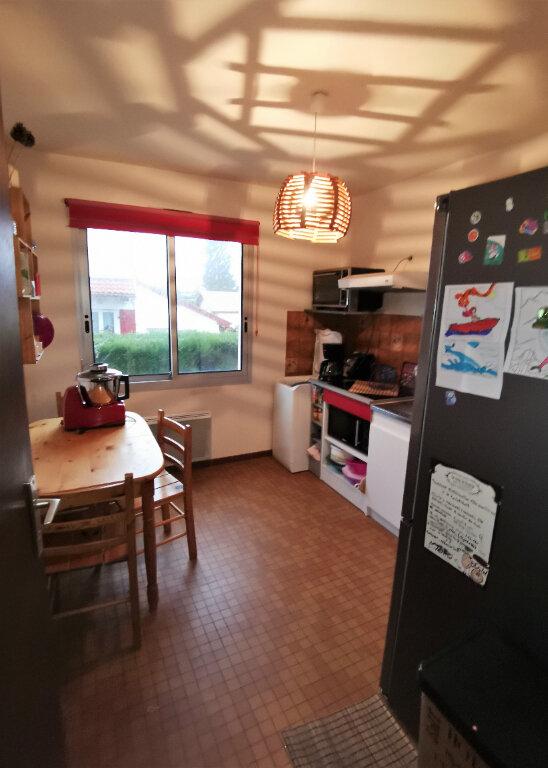 Appartement à louer 2 44m2 à Saint-Vincent-de-Tyrosse vignette-1