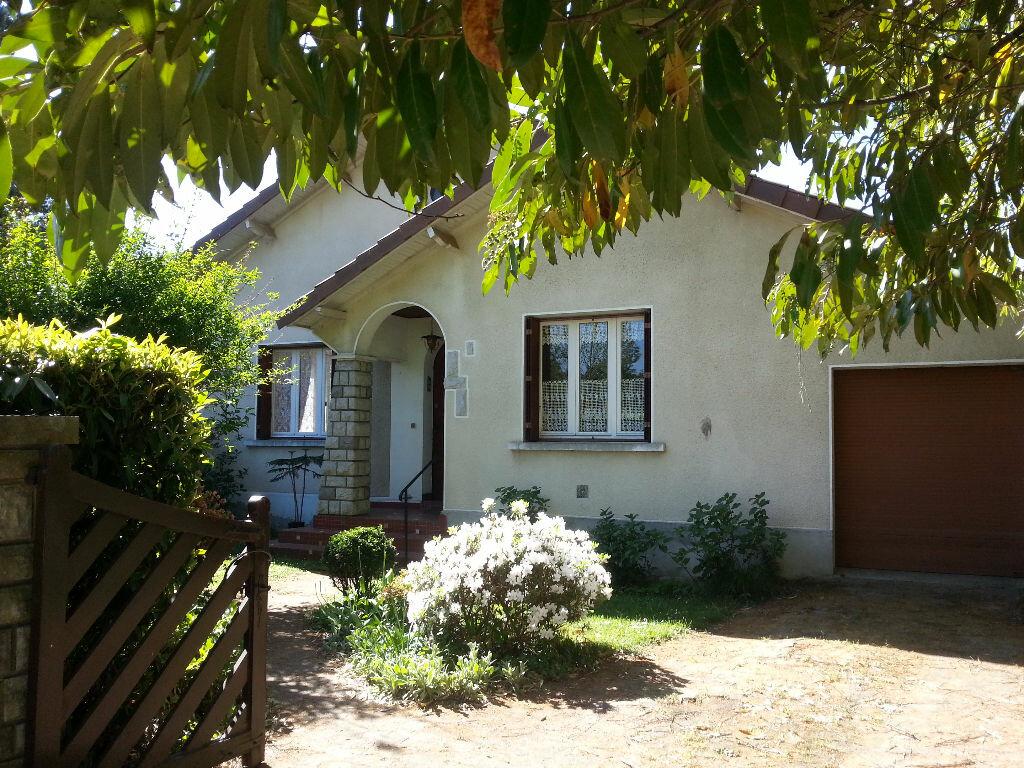 Maison à louer 6 150m2 à Lescar vignette-1