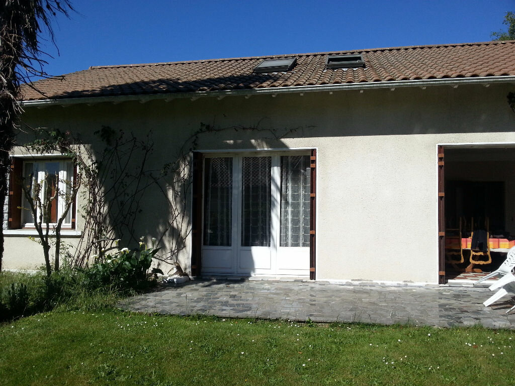 Maison à louer 6 150m2 à Lescar vignette-2