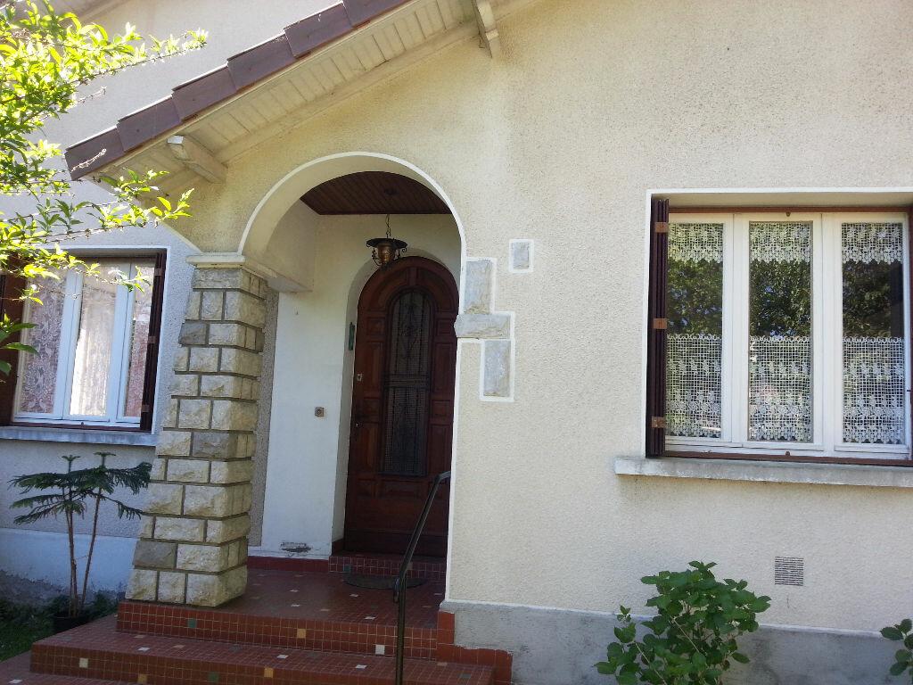 Maison à louer 6 150m2 à Lescar vignette-7