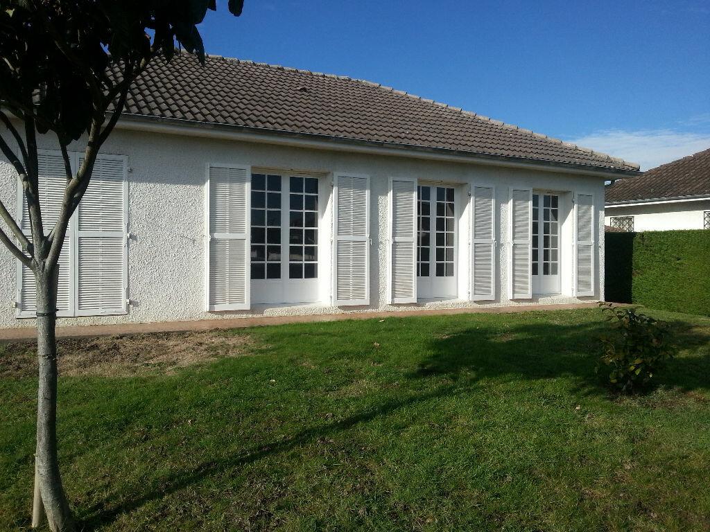 Maison à louer 4 90m2 à Lescar vignette-1
