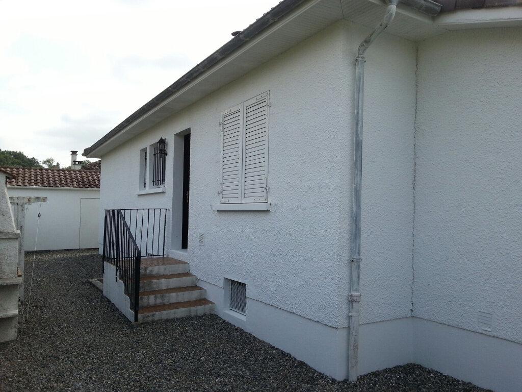 Maison à louer 4 90m2 à Lescar vignette-3