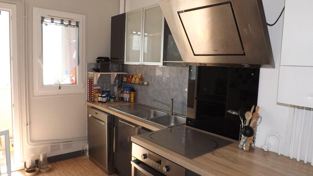 Appartement à louer 3 66m2 à Billère vignette-7