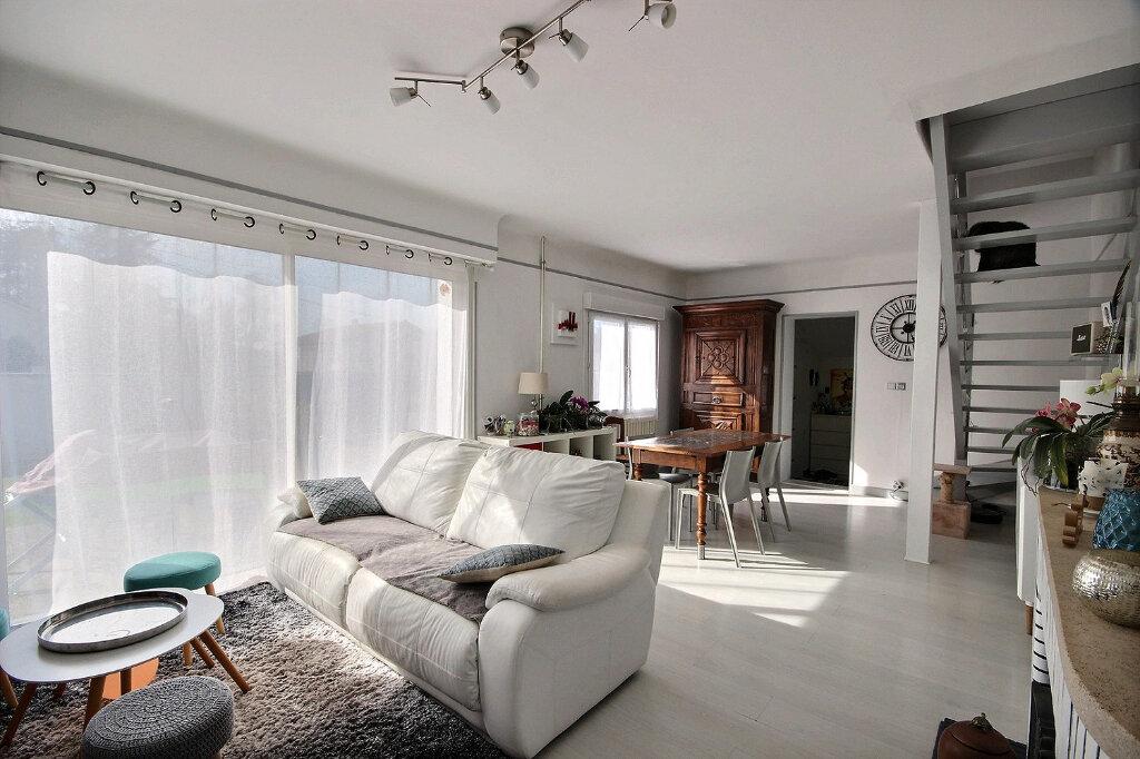 Maison à vendre 5 114.24m2 à Lescar vignette-2