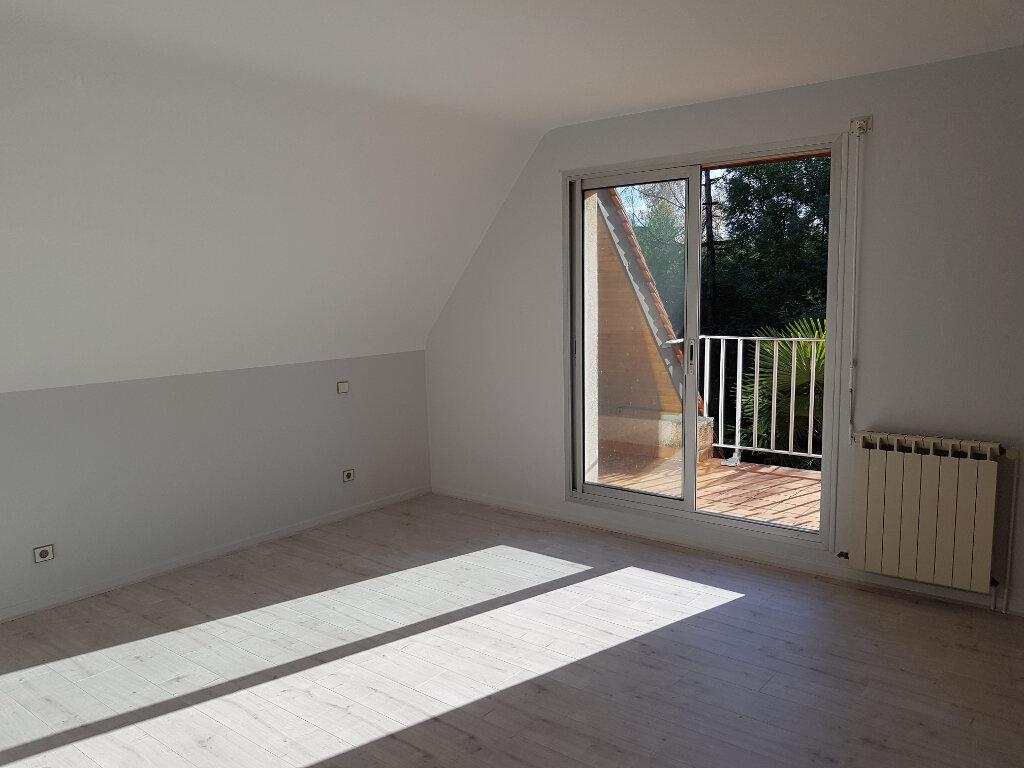 Maison à louer 6 137m2 à Lescar vignette-5