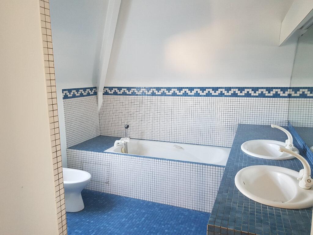 Maison à louer 6 137m2 à Lescar vignette-7