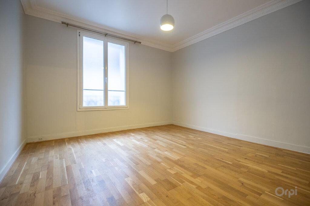 Appartement à vendre 3 74m2 à Paris 12 vignette-2