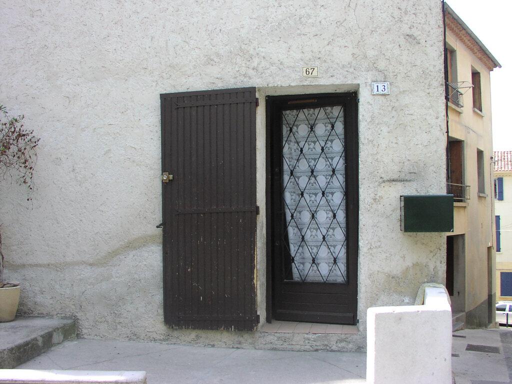 Maison à louer 4 75m2 à Vinon-sur-Verdon vignette-1