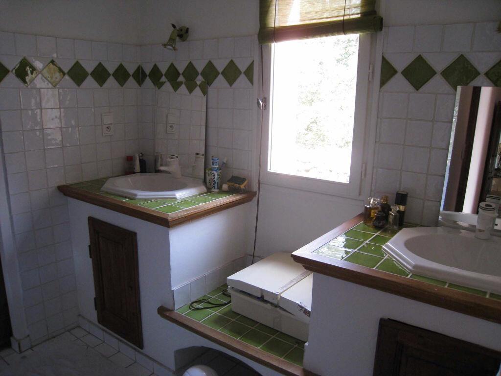 Maison à louer 5 220m2 à Saint-Julien vignette-5