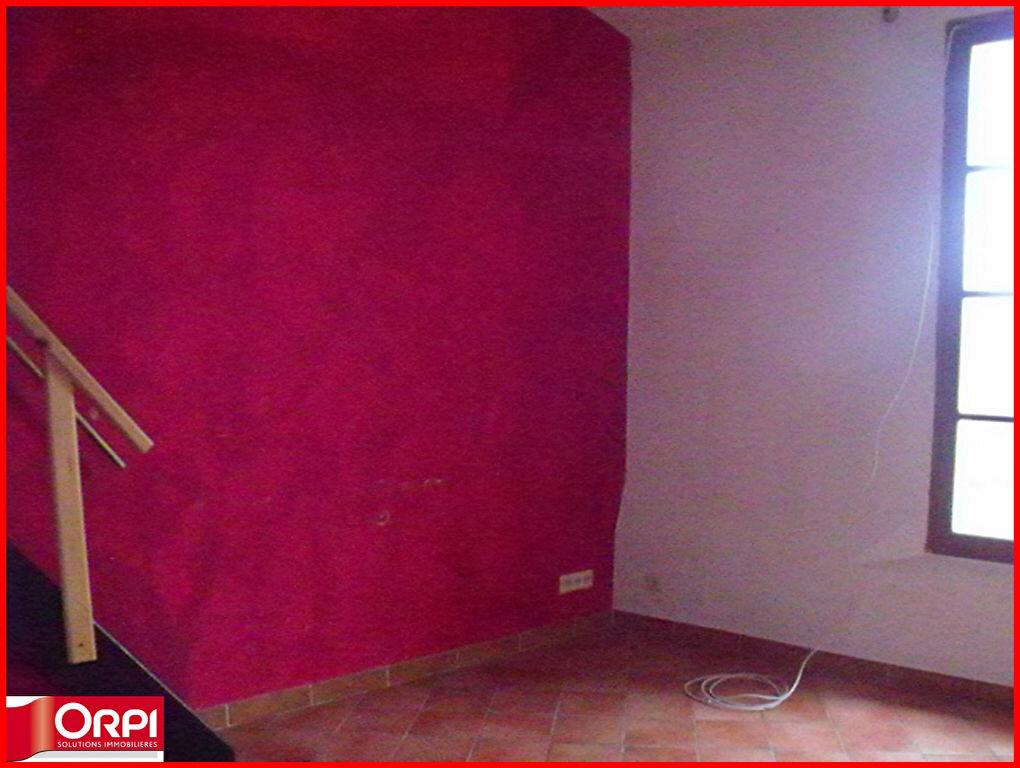 Maison à louer 1 34m2 à Villeneuve vignette-1