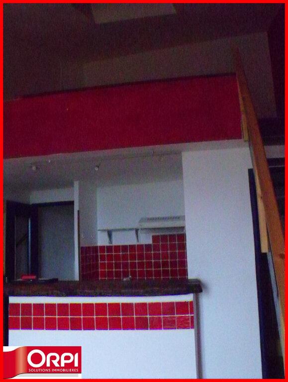 Maison à louer 1 34m2 à Villeneuve vignette-2