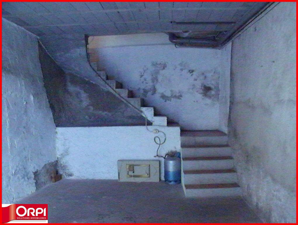 Maison à louer 1 34m2 à Villeneuve vignette-4