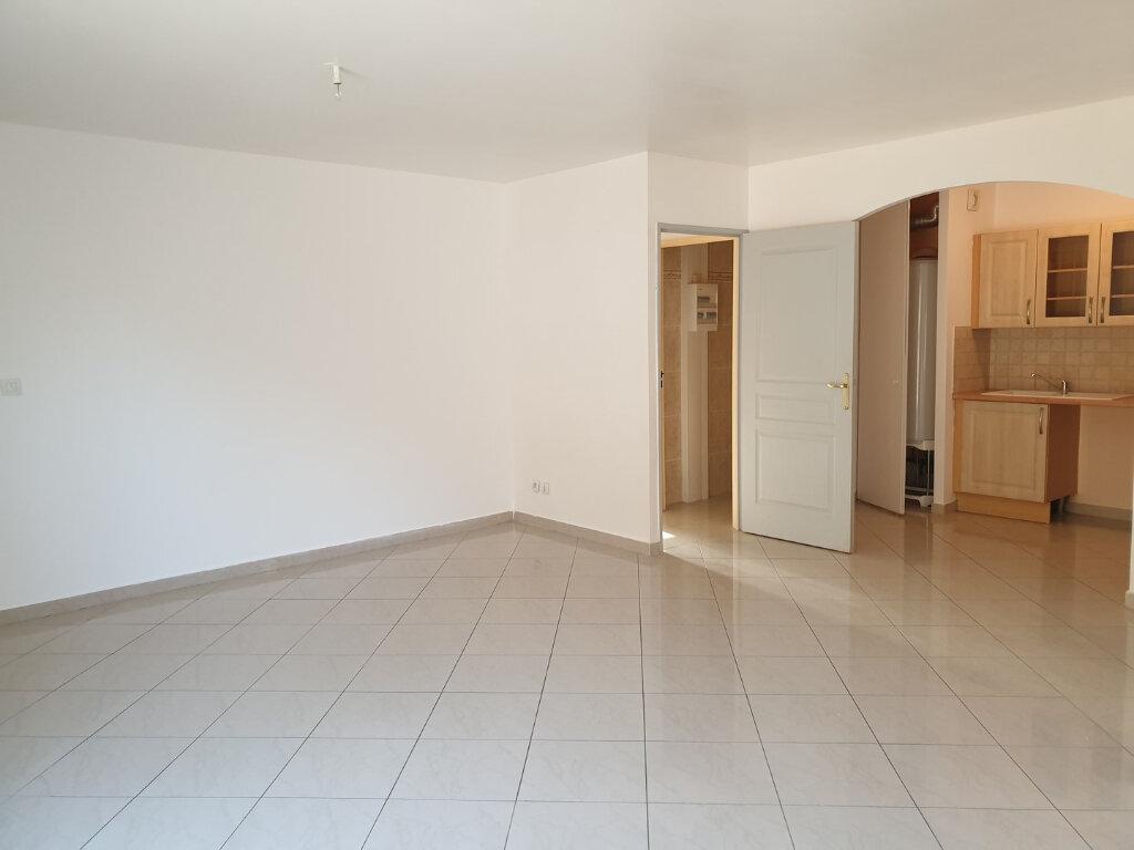 Appartement à louer 3 65m2 à Oraison vignette-2