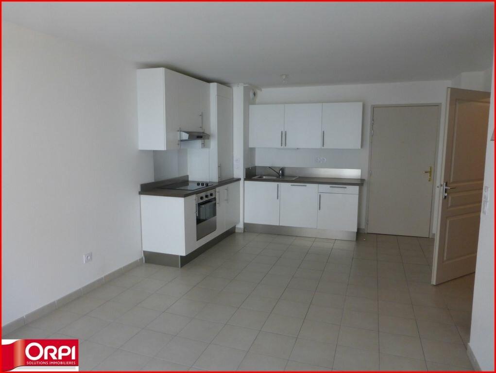 Appartement à louer 2 46m2 à Gréoux-les-Bains vignette-2