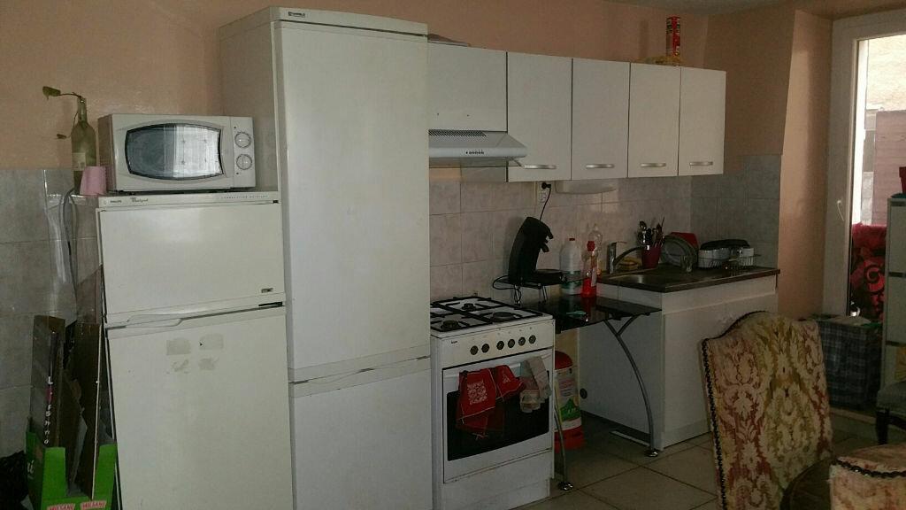 Appartement à louer 3 100m2 à Oraison vignette-3