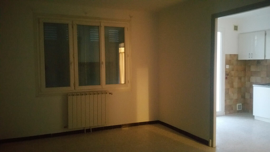 Maison à louer 3 65m2 à Vinon-sur-Verdon vignette-1
