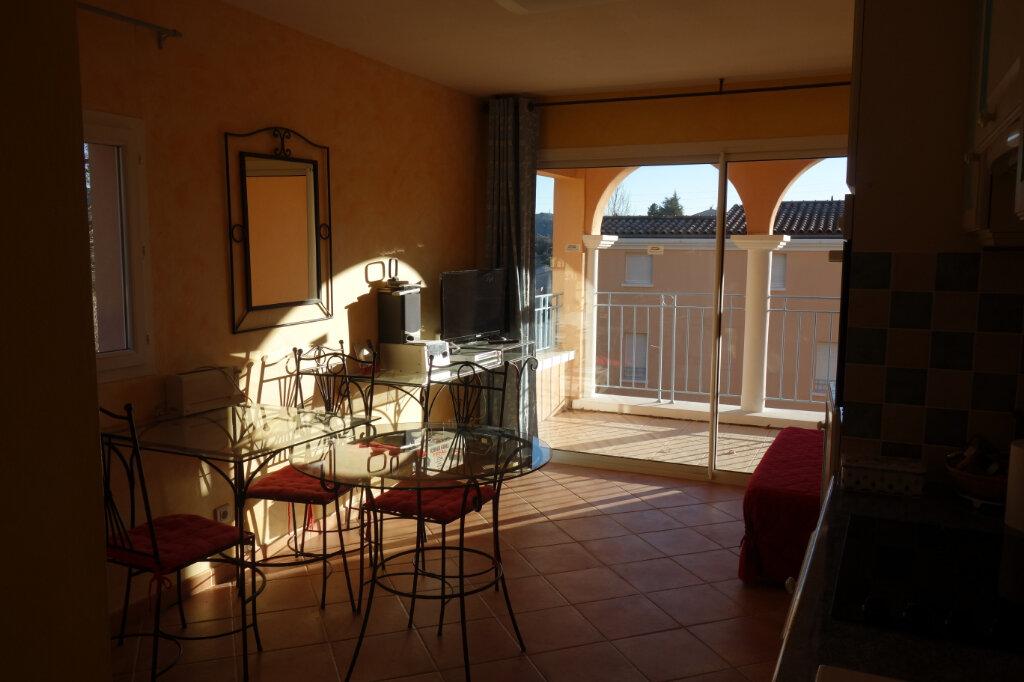 Appartement à vendre 1 24m2 à Gréoux-les-Bains vignette-2