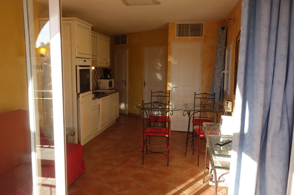 Appartement à vendre 1 24m2 à Gréoux-les-Bains vignette-3