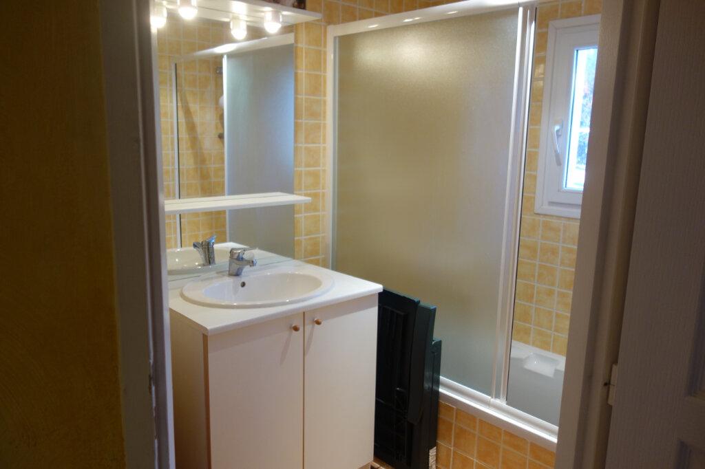 Appartement à vendre 1 24m2 à Gréoux-les-Bains vignette-4