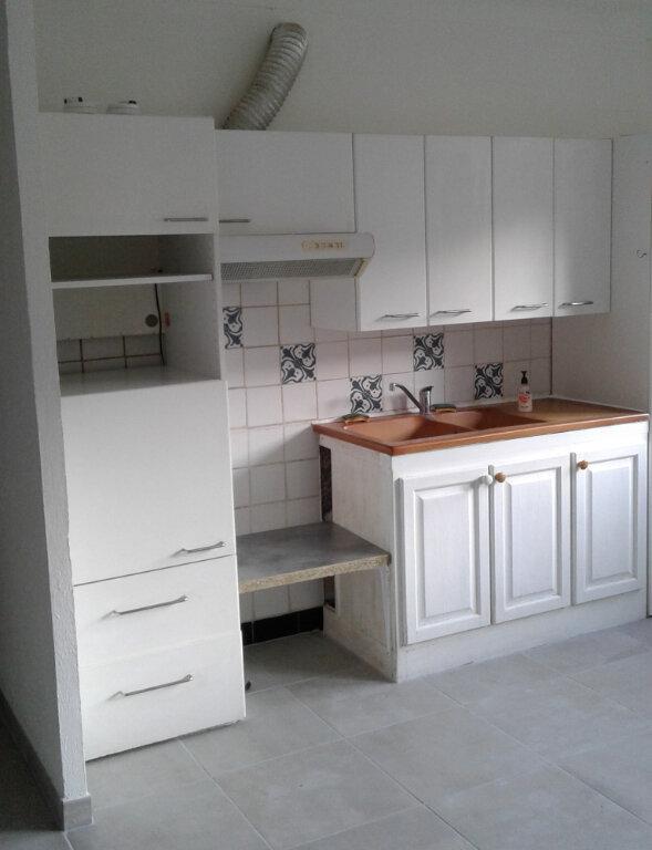 Appartement à louer 2 53m2 à Château-Arnoux-Saint-Auban vignette-1