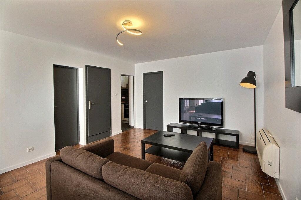 Appartement à louer 3 100m2 à Ginasservis vignette-2