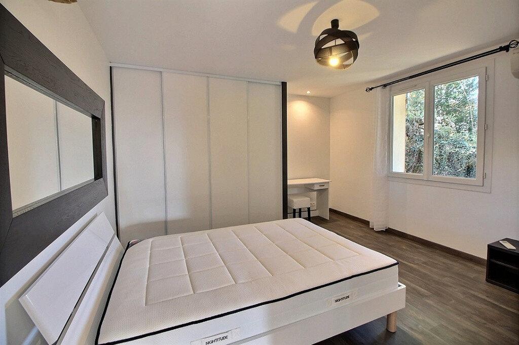 Appartement à louer 3 100m2 à Ginasservis vignette-4