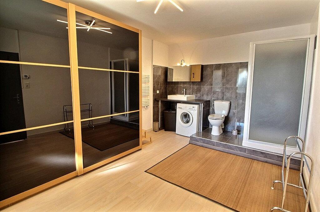 Appartement à louer 3 100m2 à Ginasservis vignette-6