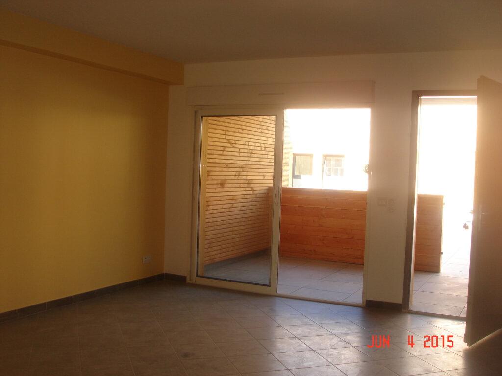 Appartement à louer 2 53m2 à Les Mées vignette-2