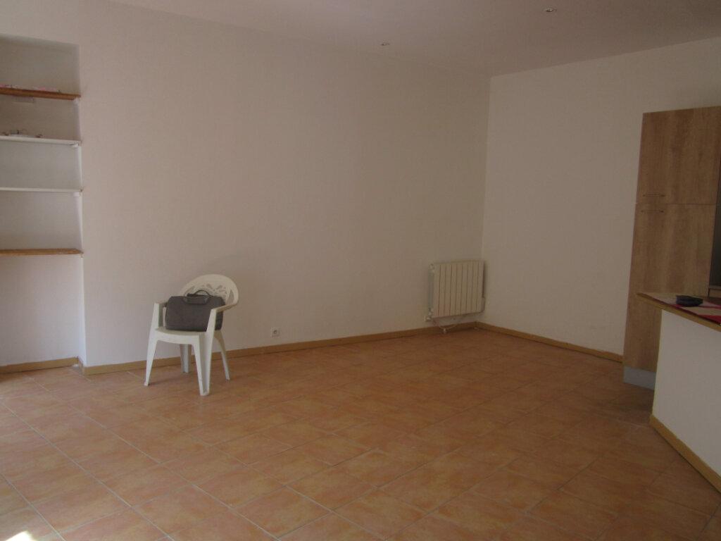 Maison à louer 4 59m2 à Saint-Étienne-les-Orgues vignette-4