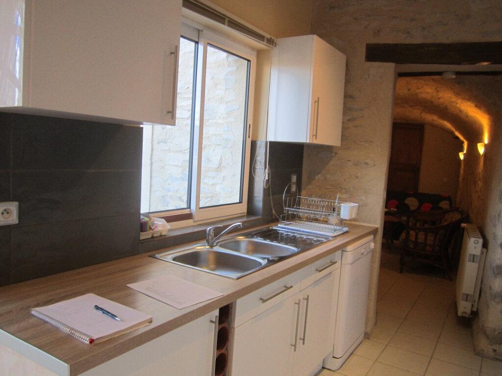 Appartement à louer 2 39.9m2 à Châteauneuf-Val-Saint-Donat vignette-1