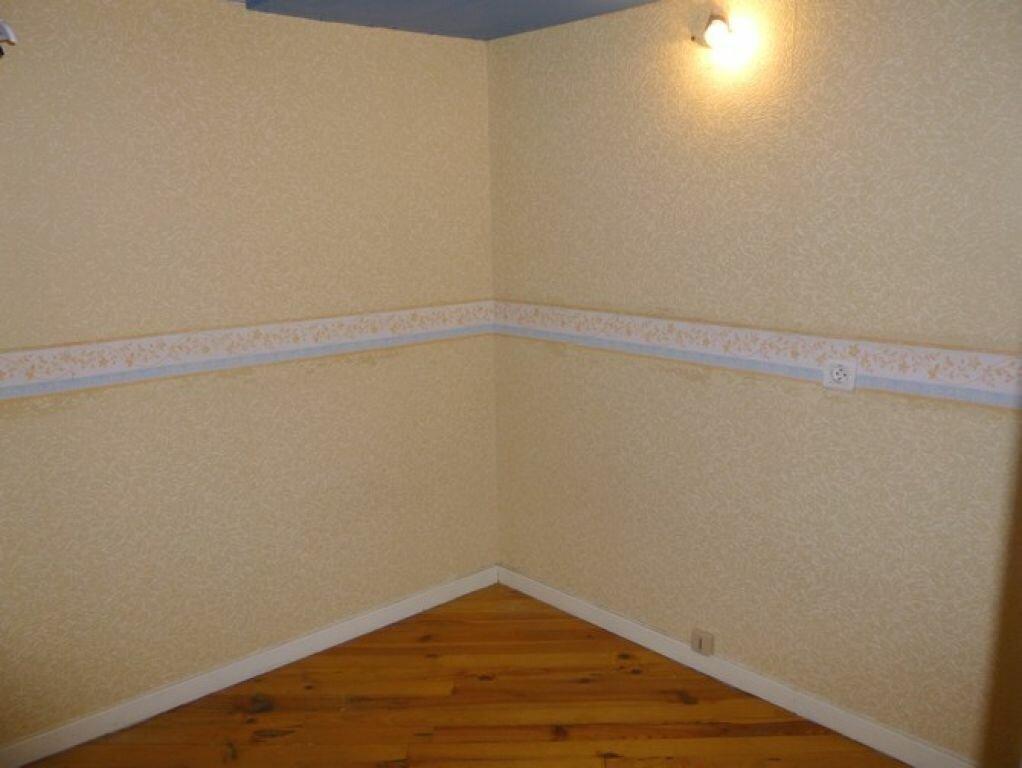 Appartement à louer 2 57m2 à Pont-Saint-Esprit vignette-4