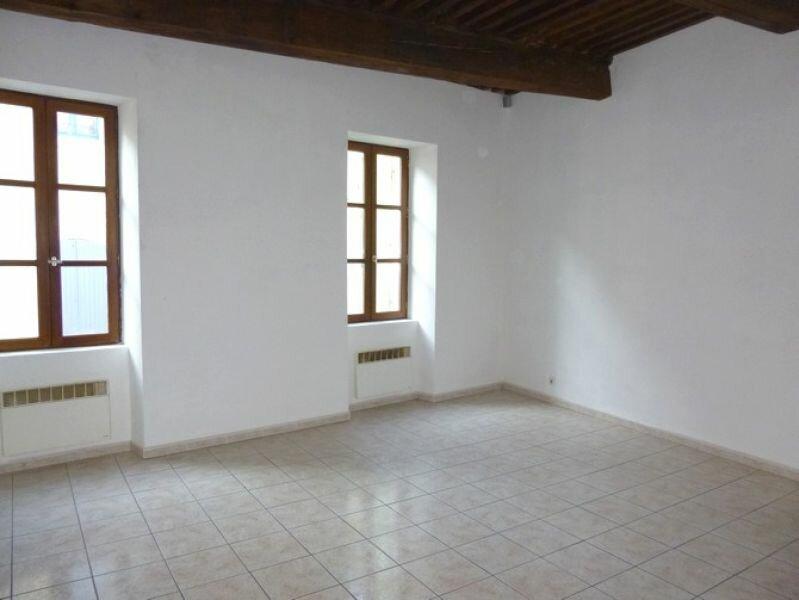 Appartement à louer 4 76.18m2 à Pont-Saint-Esprit vignette-2