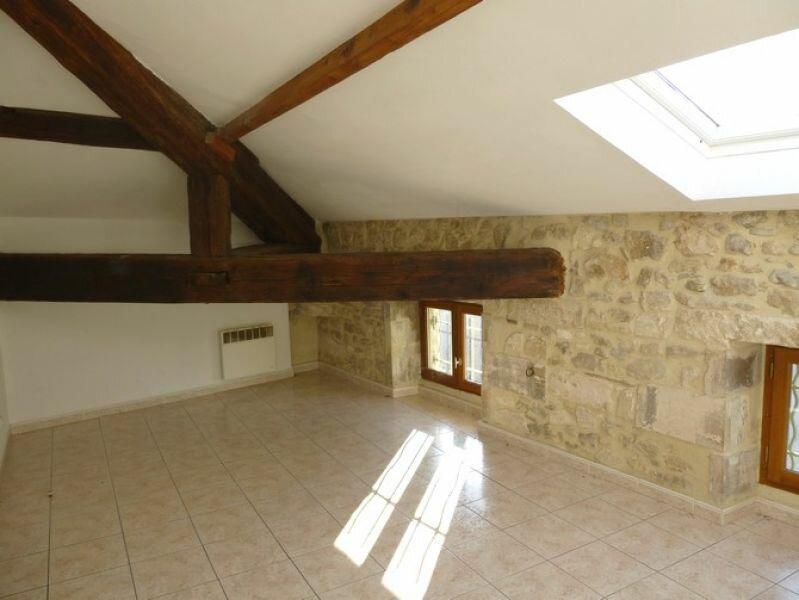 Appartement à louer 4 76.18m2 à Pont-Saint-Esprit vignette-4