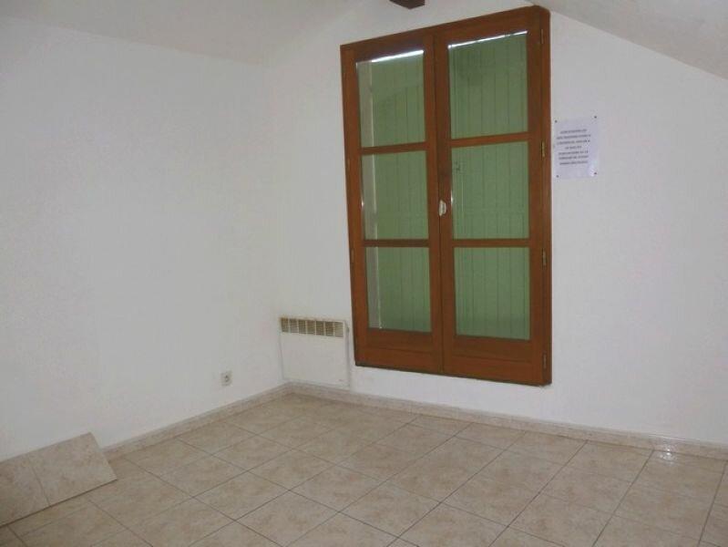 Appartement à louer 4 76.18m2 à Pont-Saint-Esprit vignette-6