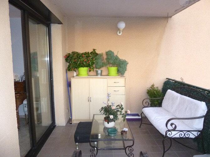 Appartement à louer 3 89m2 à Pont-Saint-Esprit vignette-3