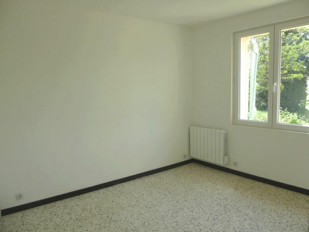 Maison à louer 3 48m2 à Tresques vignette-4