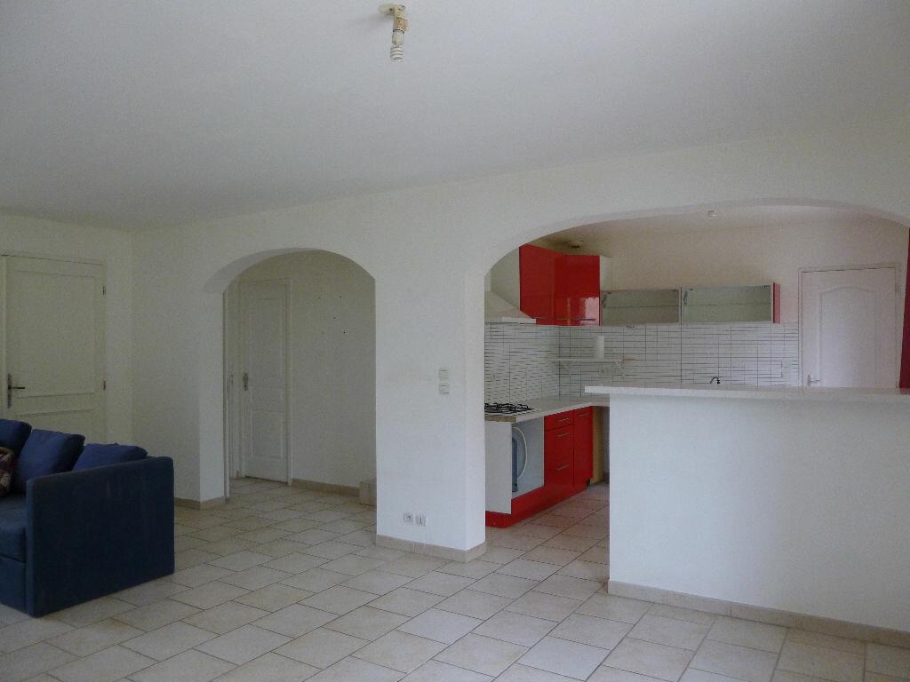 Maison à louer 4 92m2 à Pont-Saint-Esprit vignette-2