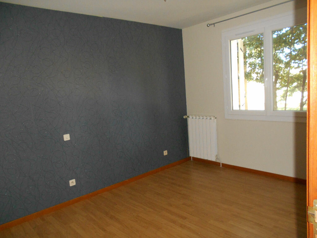 Maison à louer 4 96m2 à Pont-Saint-Esprit vignette-5