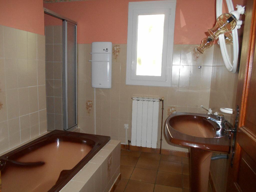 Maison à louer 4 96m2 à Pont-Saint-Esprit vignette-6
