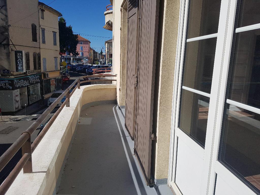 Appartement à louer 2 45.53m2 à Pont-Saint-Esprit vignette-3