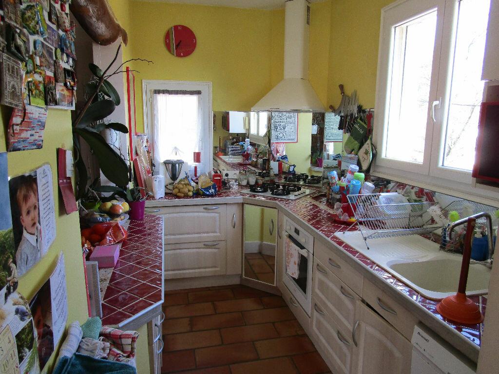 Maison à vendre 4 115m2 à Saint-Marcel-d'Ardèche vignette-4