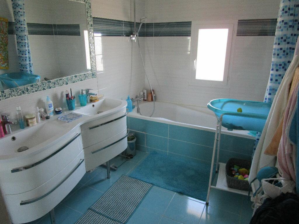 Maison à vendre 4 115m2 à Saint-Marcel-d'Ardèche vignette-8